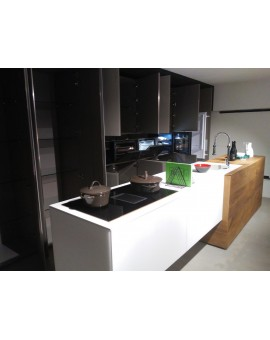 Kitchen-36 & 8-with-island-Central